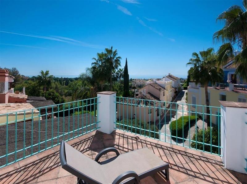 Marbella Banus Adosada en venta en Marbella – R3216352