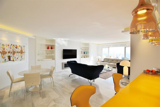 Modern Apartment with 3 bedrooms for sale in Puerto Banus. Ample three bedrooms apartment for sale, ,Spain