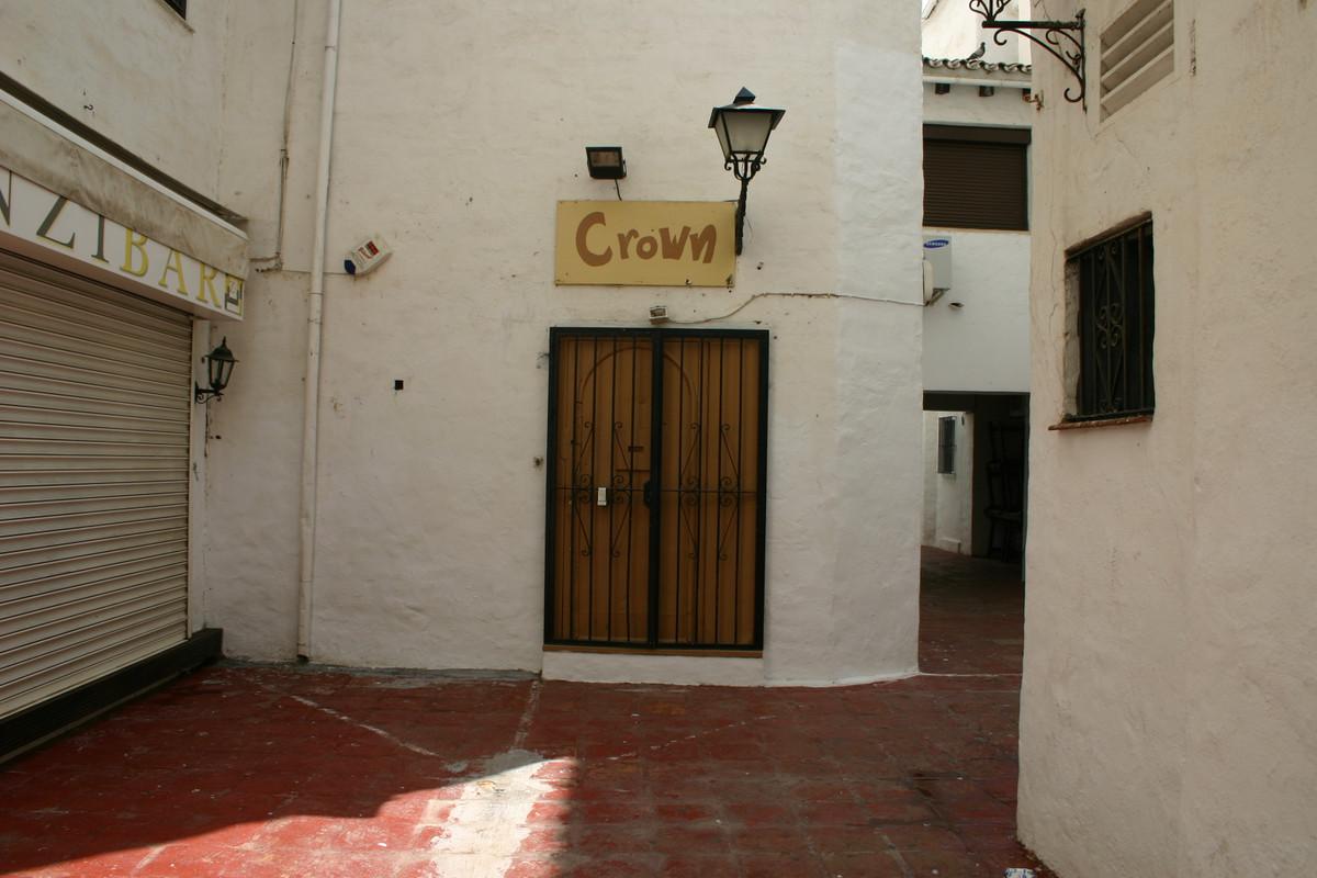 Bar  en venta en  Puerto Banús, Costa del Sol – R2106203