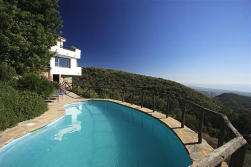 Villa – Chalet en venta en Ojén – R2108174