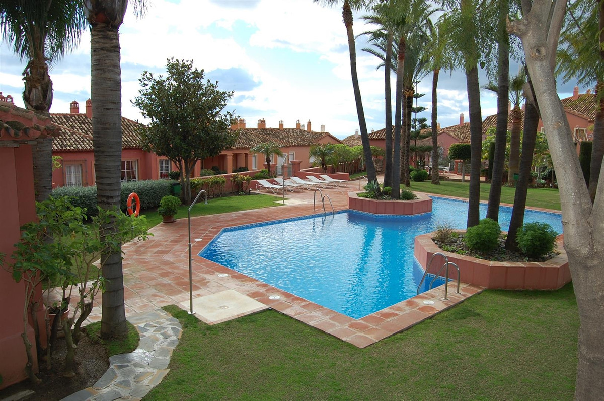 This fantastic one bedroom south facing apartment is situated in a beautiful residential complex off,Spain