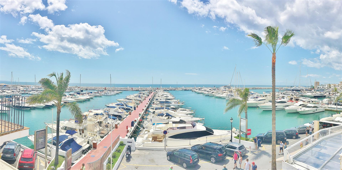 Duplex penthouse apartment for sale in Puerto Banus. Ample 3 beds 3 baths apartment located on the f,Spain