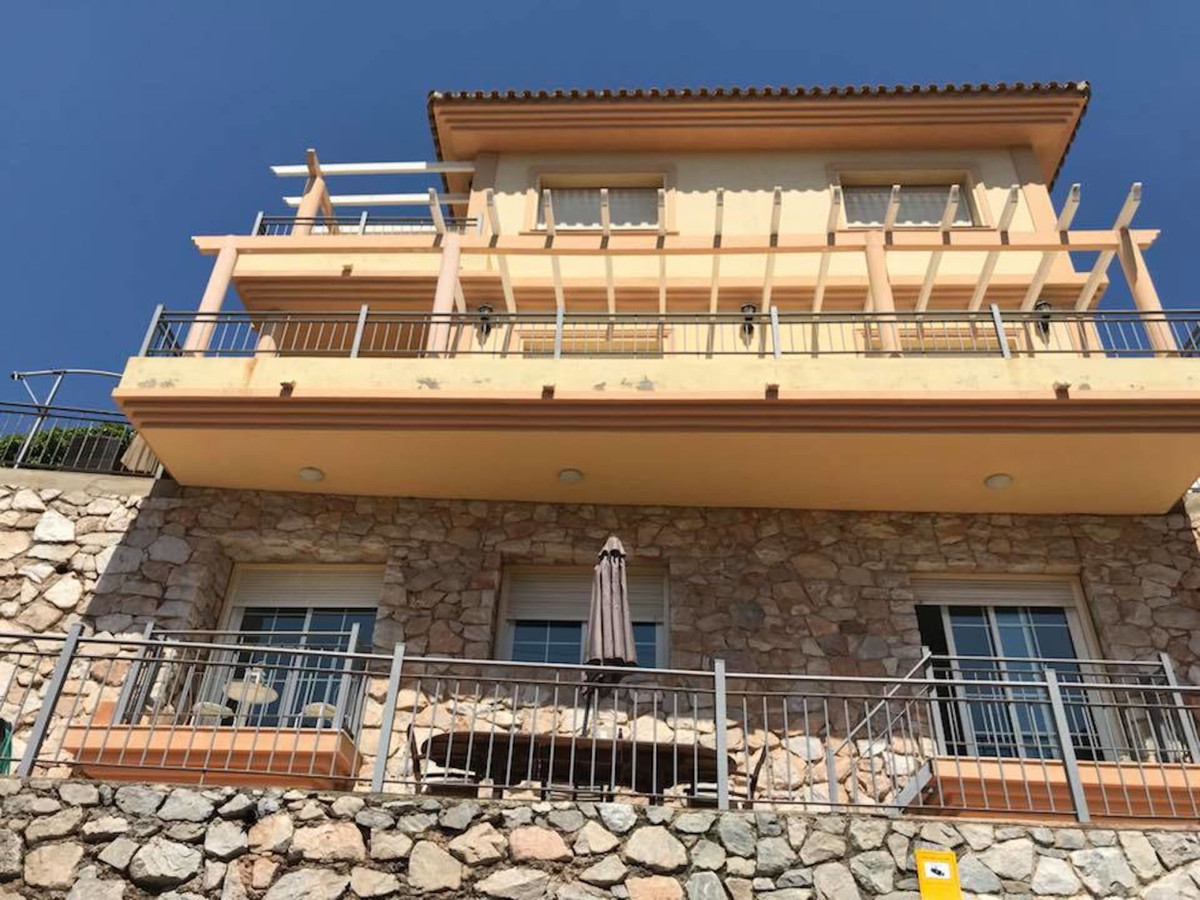 4 Bedroom Detached Villa For Sale Fuengirola