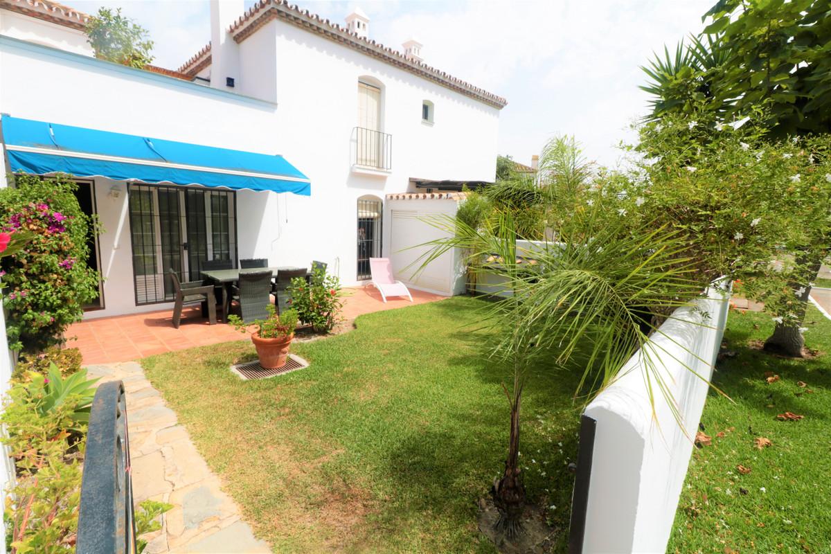 Marbella Banus Apartamento en Venta en Benamara – R3912625