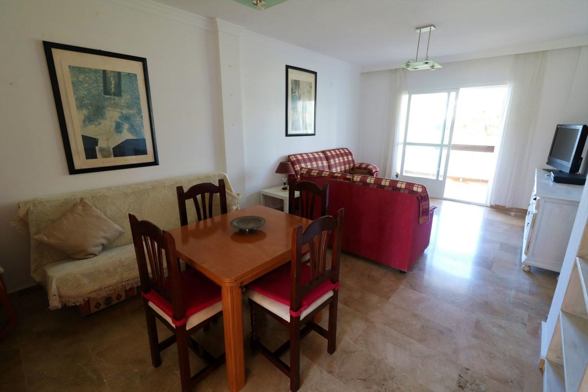 Apartamento Planta Baja en Venta en Selwo – R3609725