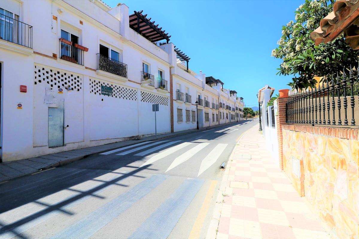 Marbella Banus Apartamento Planta Media en Venta en Cancelada – R3686771