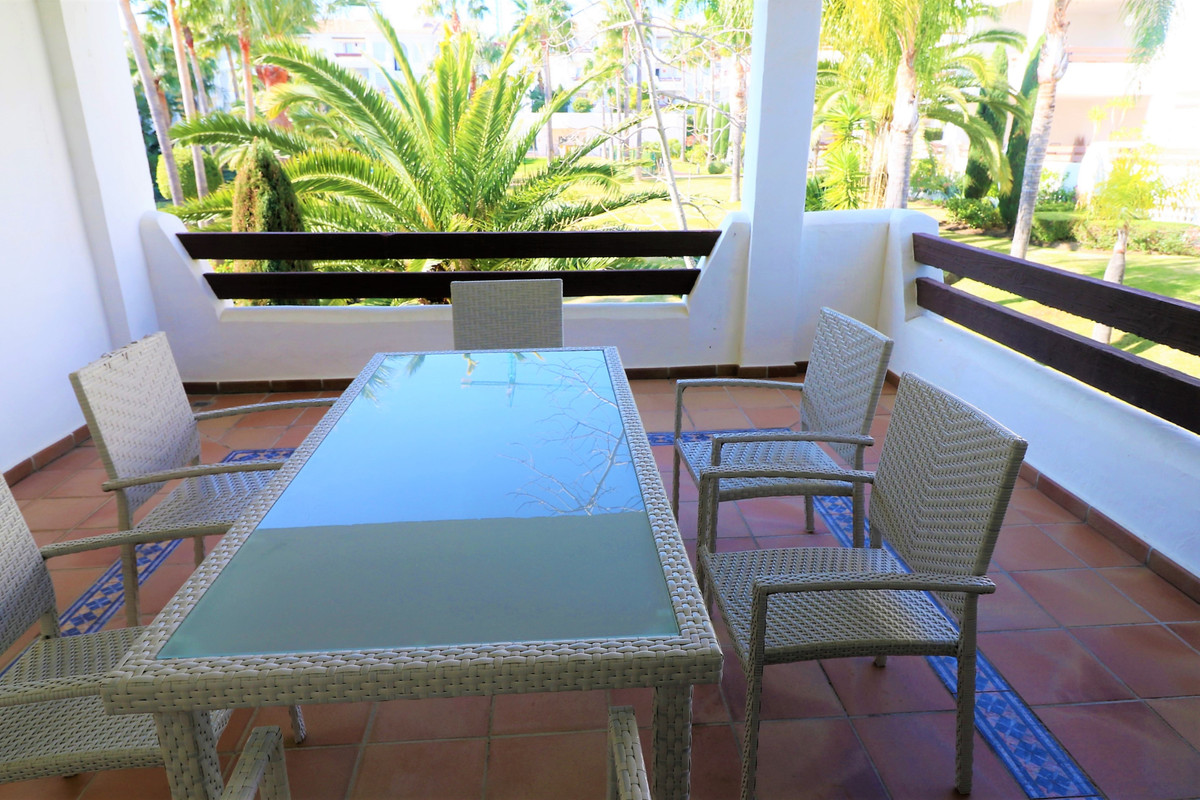 Apartment Middle Floor in Selwo, Costa del Sol