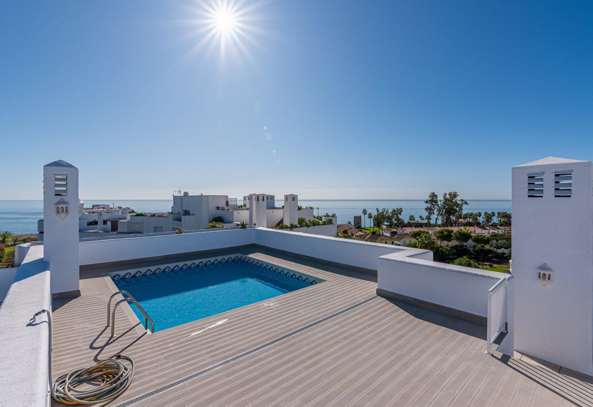 SOMETHING TO DREAM ABOUT!  Luxury Duplex penthouse on the beachfront with privat swimming pool and s, Spain