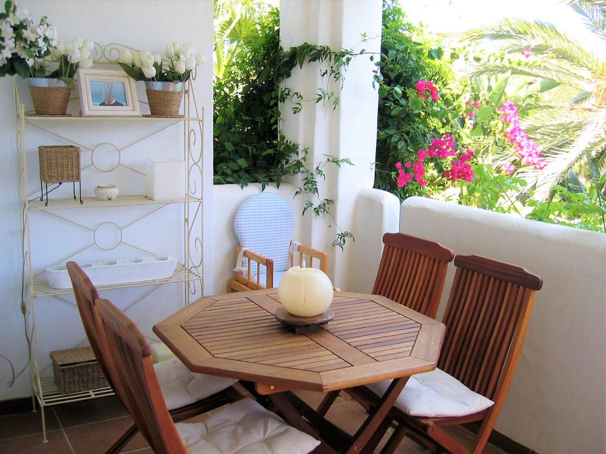 Appartement  Mi-étage en vente   à Costalita