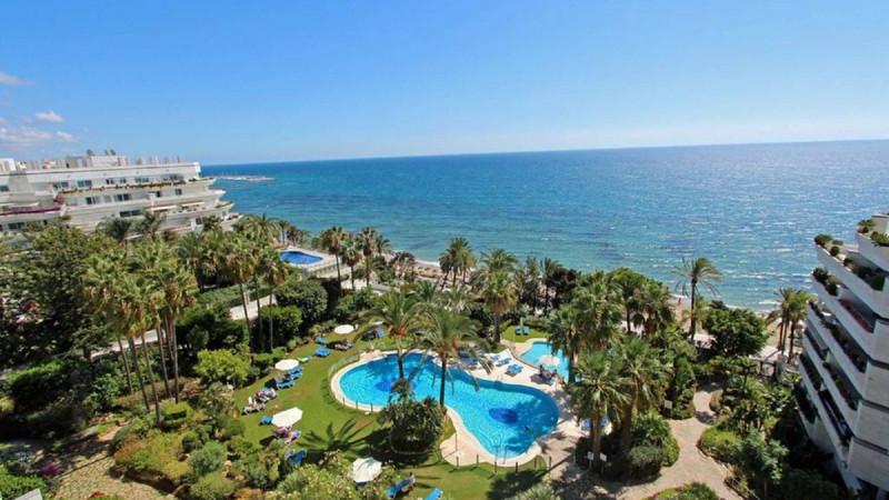 Apartamento Planta Media en venta en Marbella – R3619334