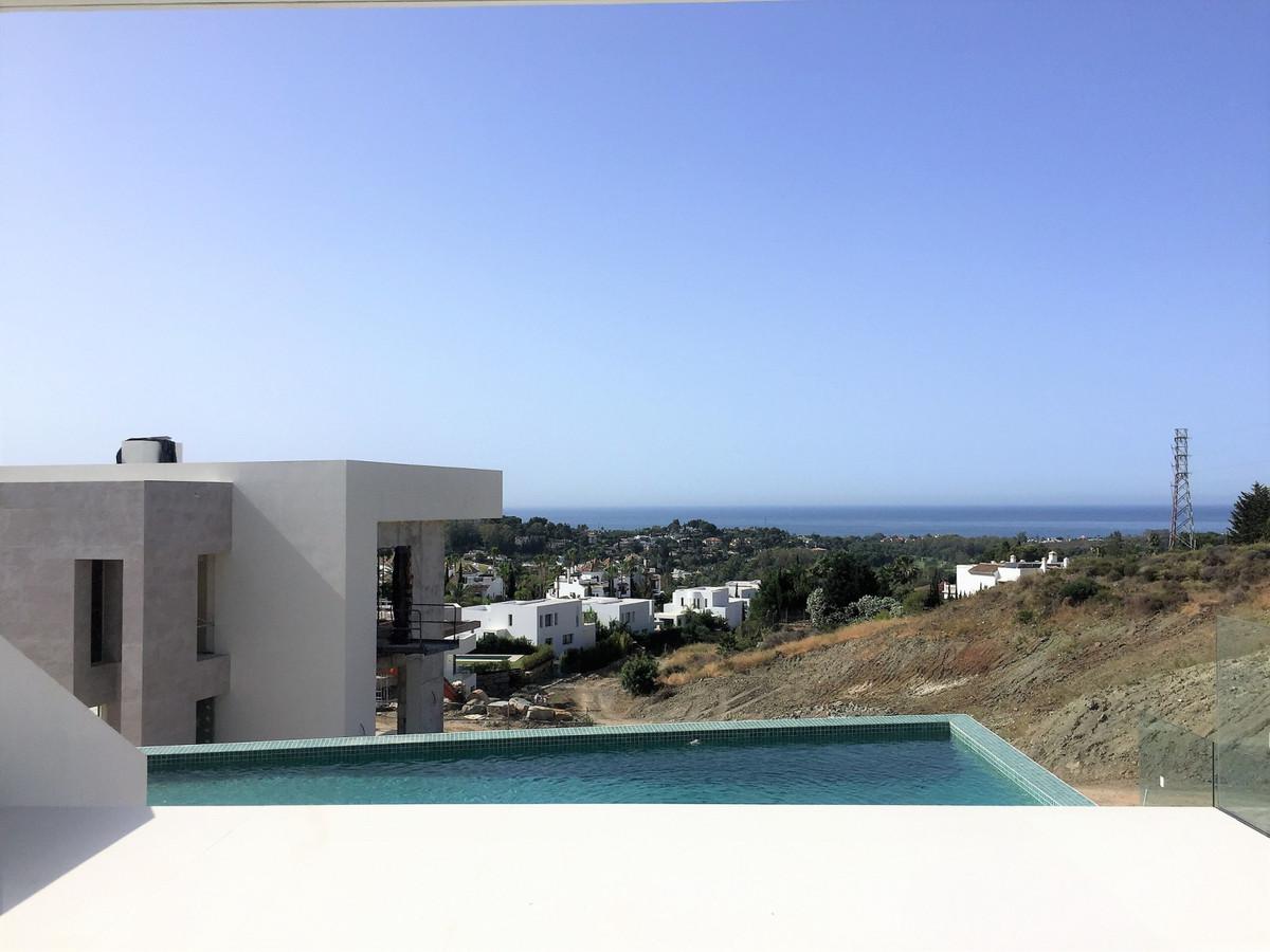 Villa – Chalet en Venta en El Paraiso – R3661004