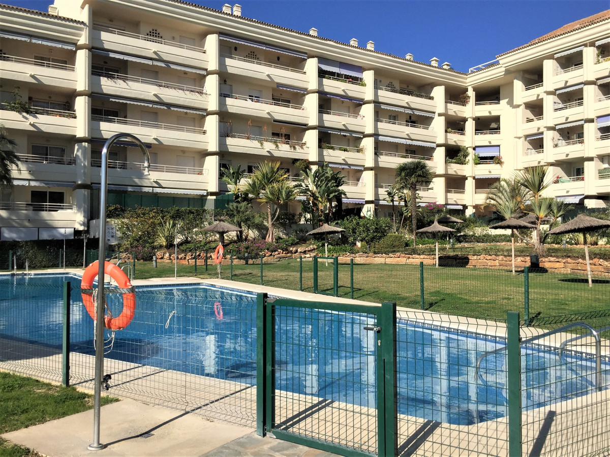 Ground Floor Apartment for sale in Marbella R3535330