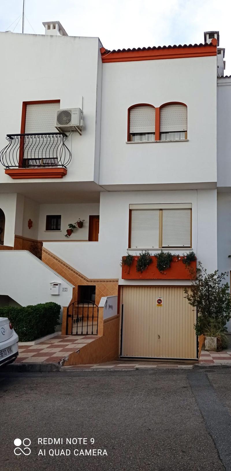 Property Estepona 8