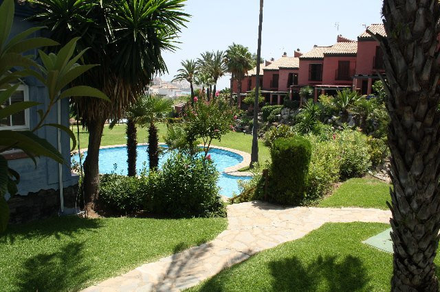 R2481842: Commercial for sale in Estepona