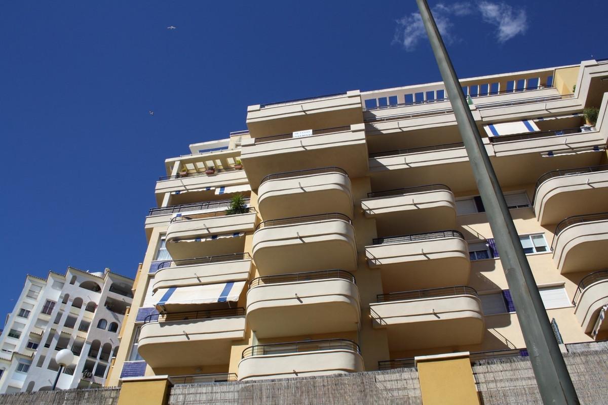Top Floor Apartment · Estepona