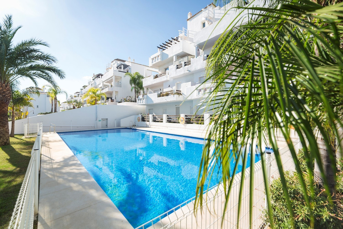 1 bed Penthouse for sale in Estepona