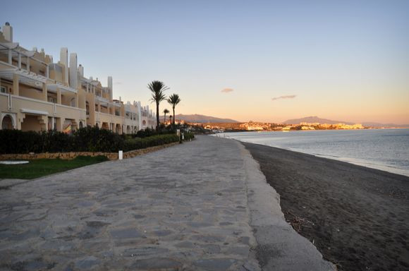 Apartment,  First Line Beach,  Furnished,  Fitted Kitchen,  Parking: Garage,  Pool: Communal Pool,  , Spain