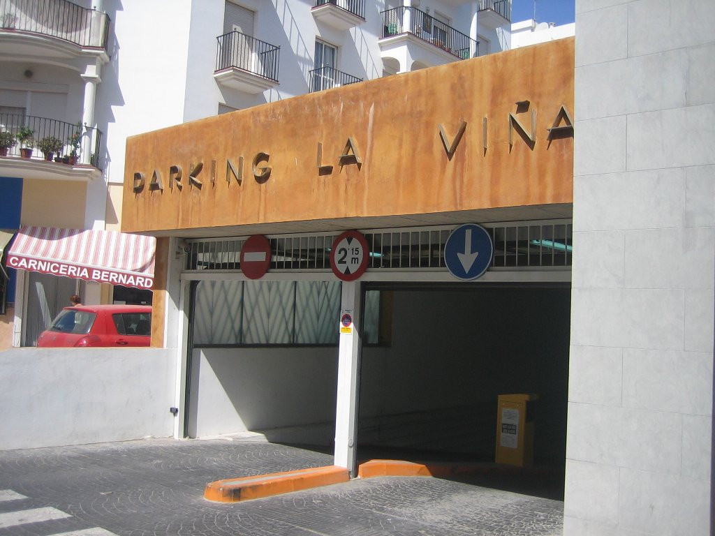 Garage for rent in Estepona