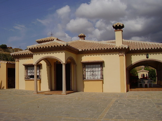 Villa - Detached, Estepona, Costa del Sol. 3 Bedrooms, 2.5 Bathrooms, Built 220 sqm, Terrace 45 sqm,, Spain