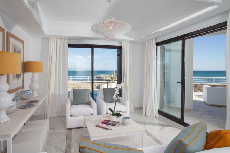 Apartamento Planta Media en venta, Estepona – R3293143
