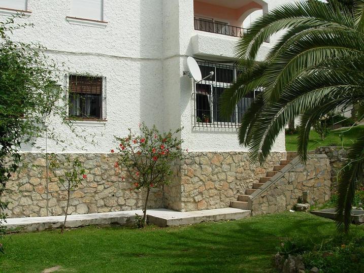 Apartment - Ground Floor, Estepona, Costa del Sol. 3 Bedrooms, 1 Bathroom, Built 110 sqm, Terrace 10,Spain