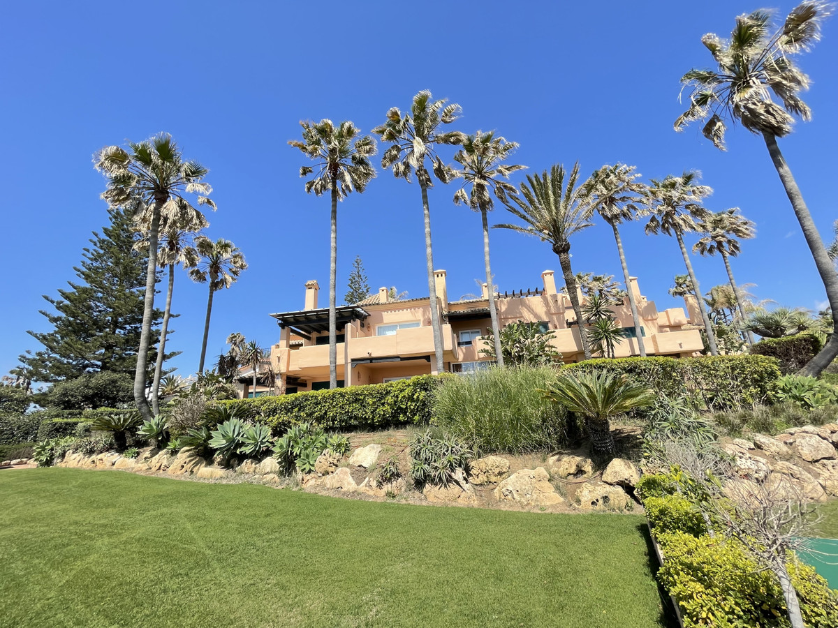 Townhouse  Terraced for rent  in Estepona