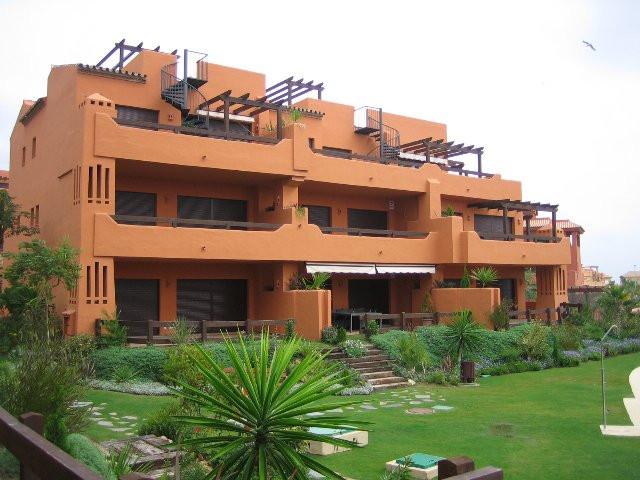 Apartment - Ground Floor, Estepona, Costa del Sol. 2 Bedrooms, 2 Bathrooms, Built 100 sqm, Terrace 3,Spain