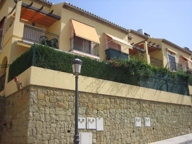 Townhouse,  Central,  Partly Furnished,  Fitted Kitchen,  Parking: Covered,  Facing: South Views: Ci, Spain