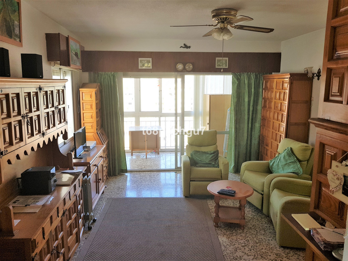 INVESTMENT opportunity! Although this apartment needs refurbishment this is a fantastic opportunity , Spain