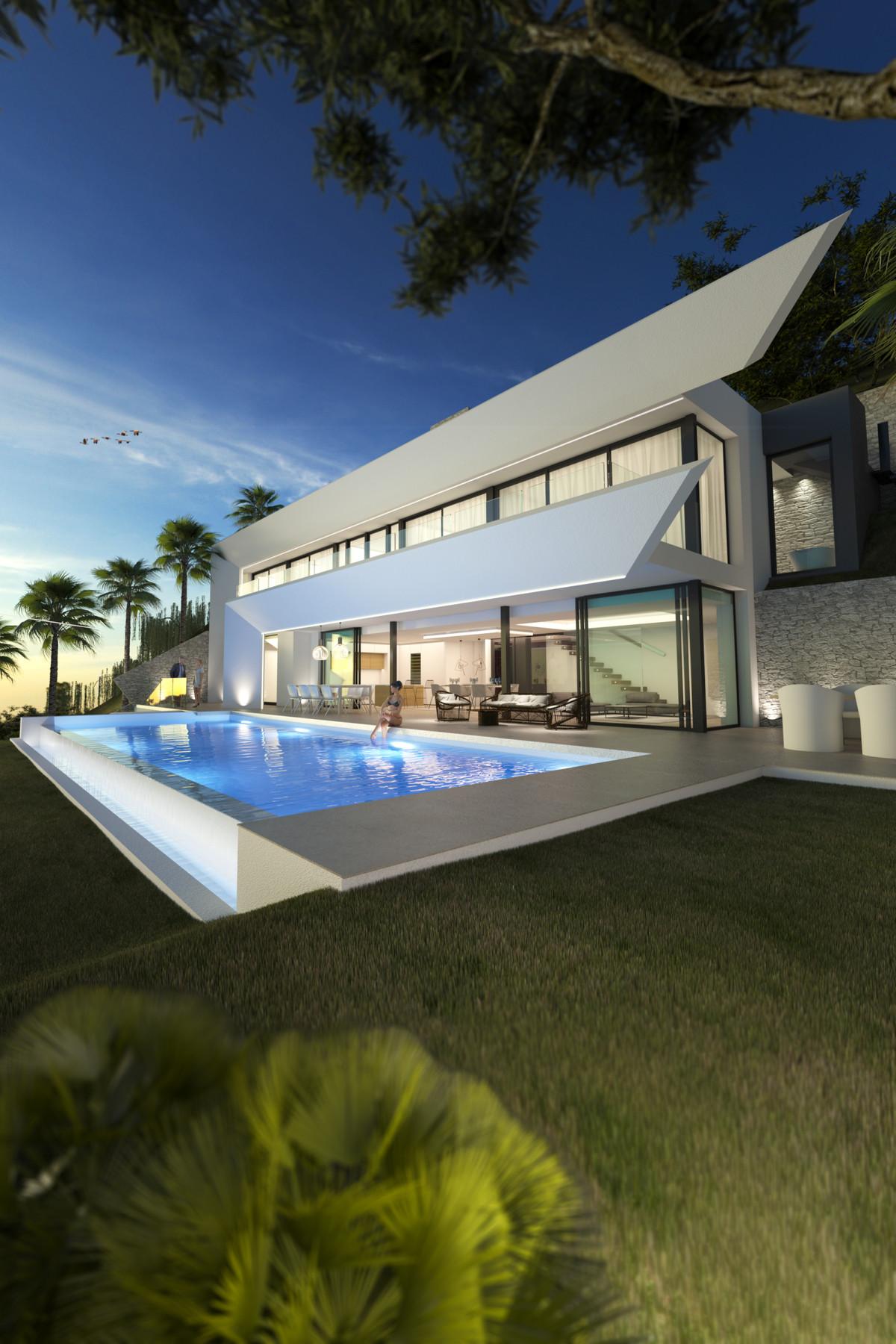 Villa – Chalet en Venta en Altos de los Monteros – R3608387
