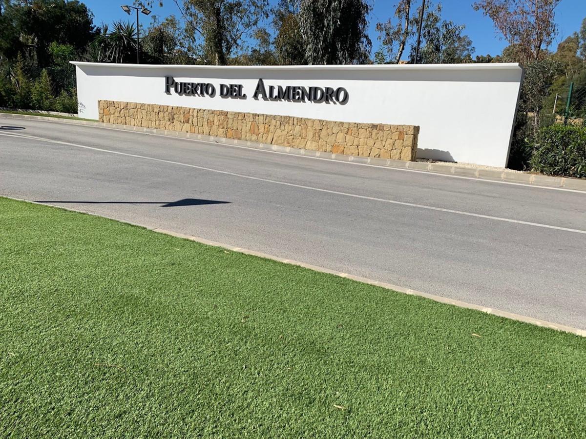Apartamento en Planta Última en Venta en Monte Halcones – R2116145