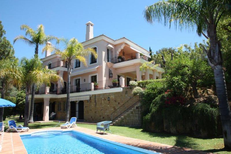 Marbella Banus Villa – Chalet en Venta en Río Real – R2428619