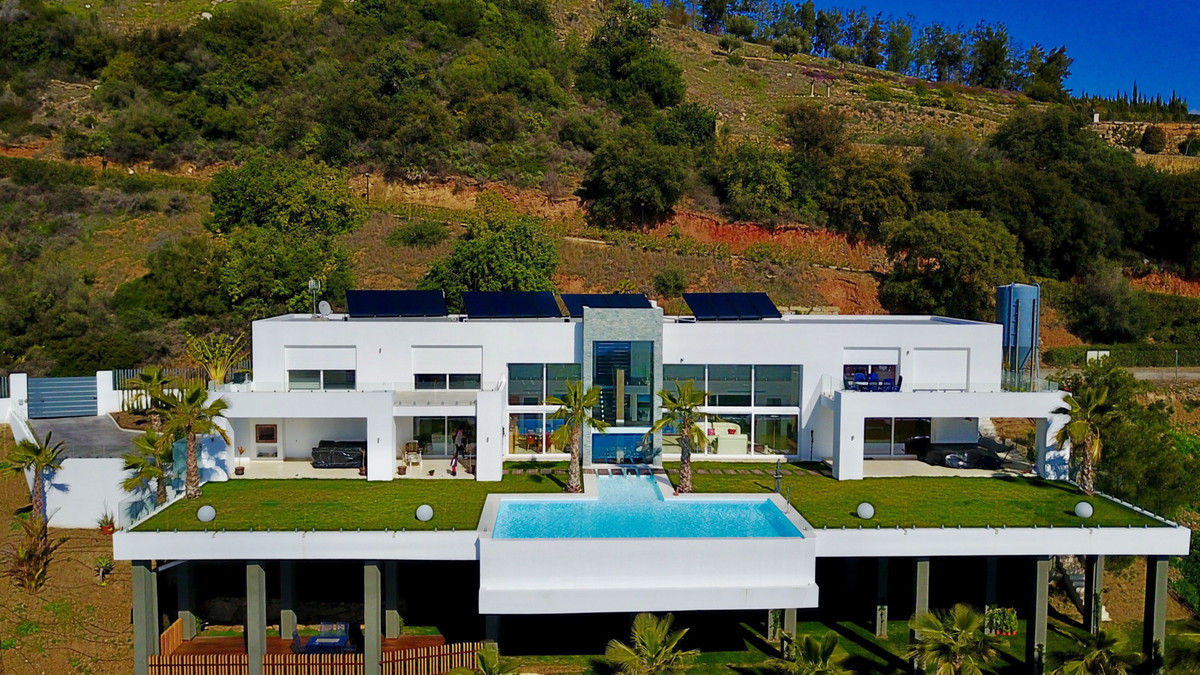 Marbella Banus Villa – Chalet en Venta en Altos de los Monteros – R2894675