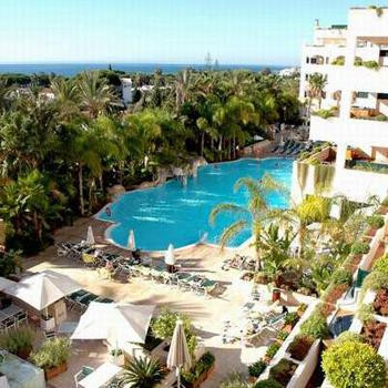Fantastic deluxe duplex penthouse placed in the renowned Guadalpin Marbella complex, at the beginnin,Spain