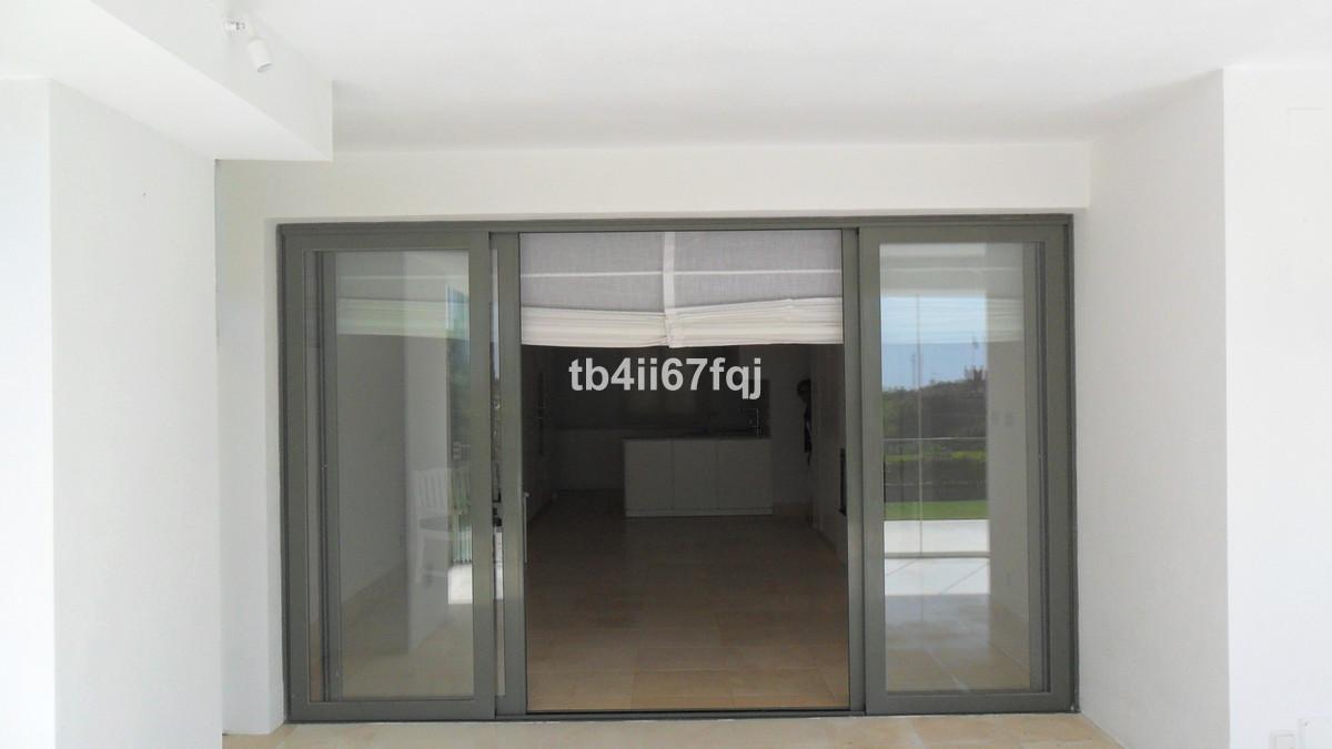 R3606635 - 32