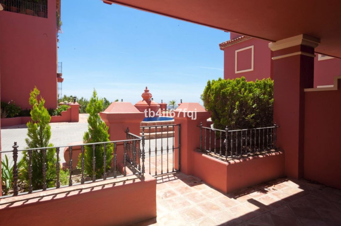 Apartment - Monte Halcones
