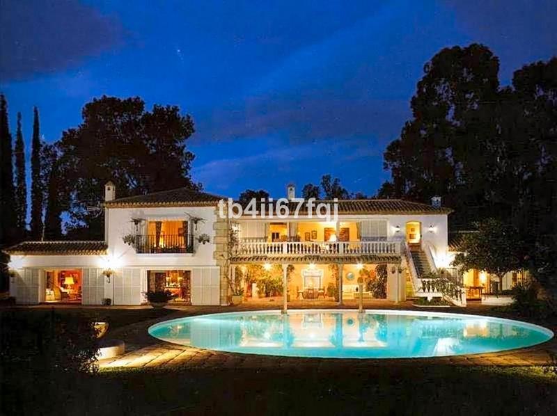 Marbella Banus Villa – Chalet en venta en The Golden Mile – R3450178