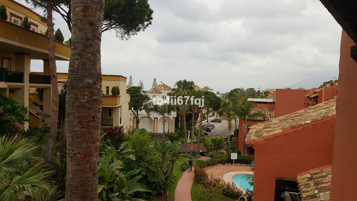 Beautiful apartment located in an urbanization a few meters from the beach, in Elviria, just a few m, Spain
