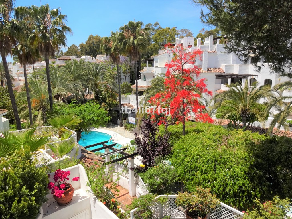 Apartment in Golden Beach, Marbella East, Elviria area. With 3 bedrooms and 2 bathrooms. Covered ter, Spain