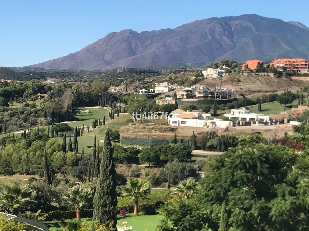 Fantastic plot of 2120 M2, located in the exclusive urbanization of Los Flamingos Golf Resort, Benah, Spain