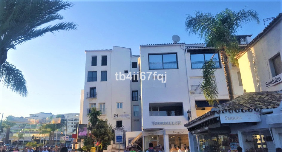 Apartment with a lot of potential, the state is the original of Puerto Banus, this apartment needs a, Spain