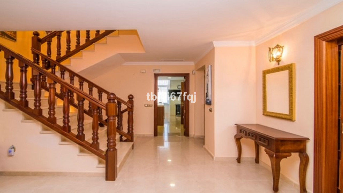 Villa con 4 Dormitorios en Venta Río Real