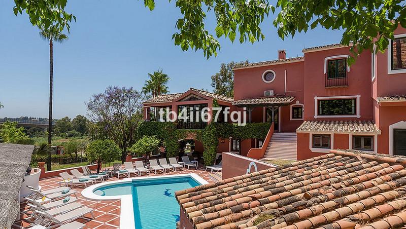 Villa – Chalet en venta en La Quinta – R3168190