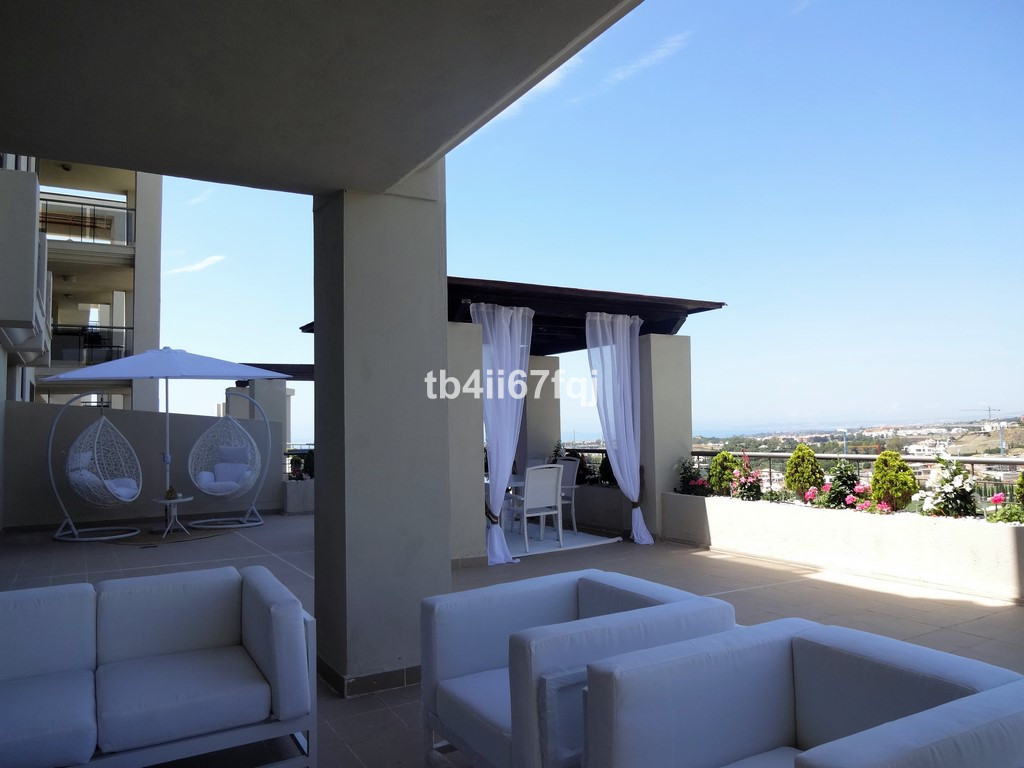 Spacious, modern and fully decorated, this luxurious apartment located on the ground floor is ready ,Spain