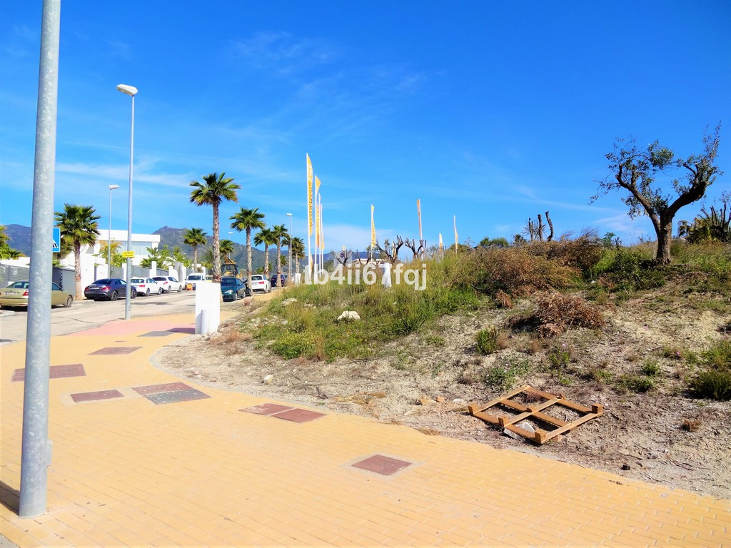 Plot in Rio Real. With 401 m2 of plot, with 200 m2 buildable, commercial use. It has southwest orien,Spain