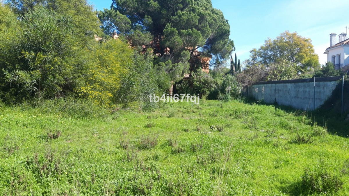 The plot is very well located, in the highest and independent part of the urbanization¨La Virginia¨., Spain
