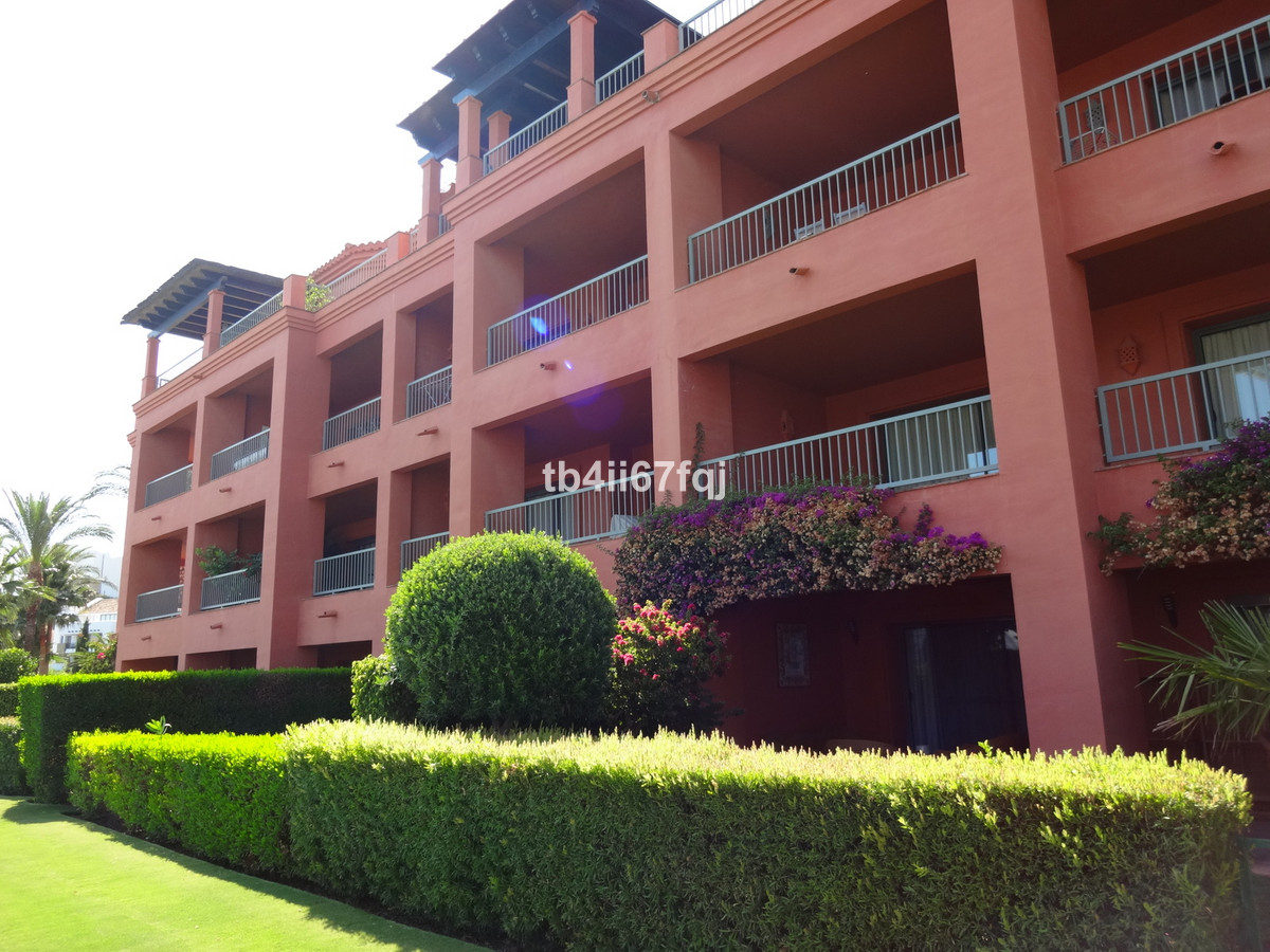Apartment in Royal Flamingos, in Los Flamingos Golf, Benahavis. On the second floor with 2 bedrooms ,Spain