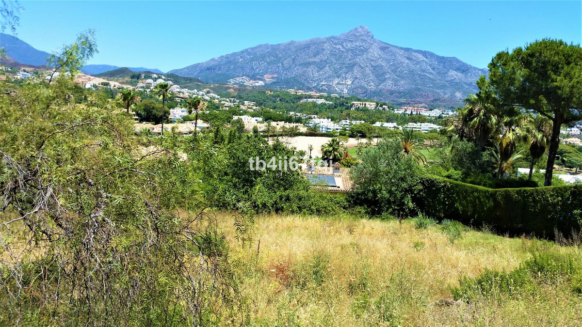 Plot for sale in Nueva Andalucia prestigious urbanization and is of the last plots that are availabl, Spain