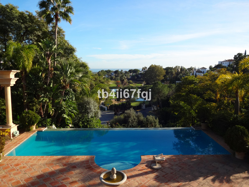 Marbella Banus Villa – Chalet en venta en La Quinta – R3395197