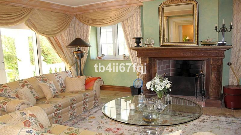 Villa – Chalet en venta en La Quinta – R3395197